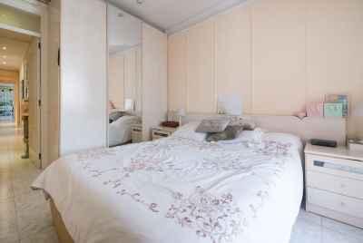 Квартира под ремонт в великолепном районе Барселоны